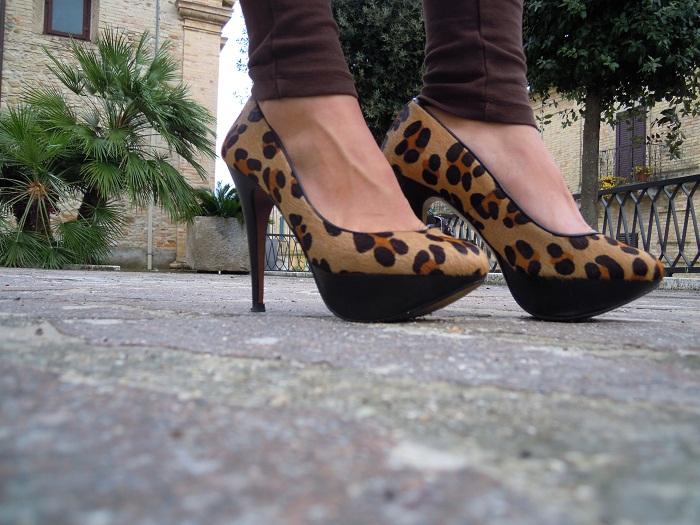 It Girl by Eleonora Petrella - Foto piazza tortoreto alto borsa arcadia bags bugatti