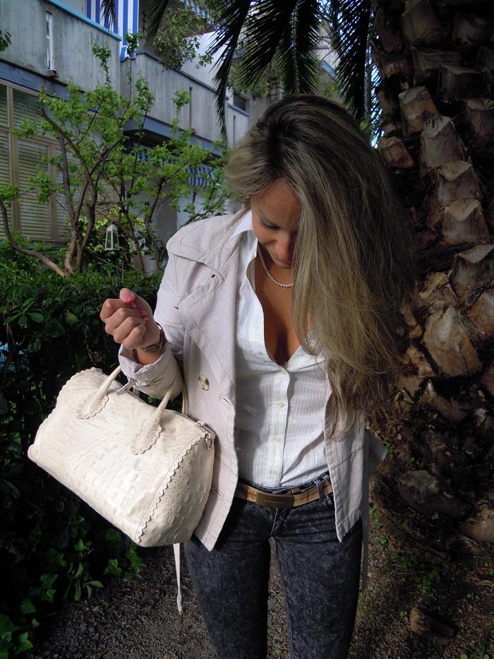 Outfit con borsa Furla