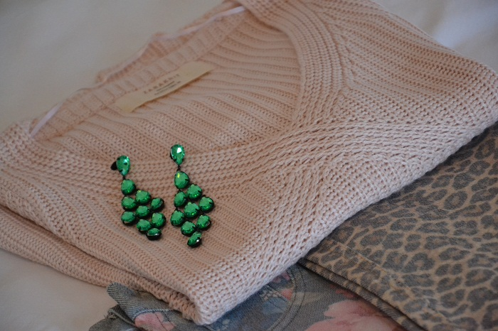 Zara sweater and H&M earrings - It-girl by Eleonora Petrella