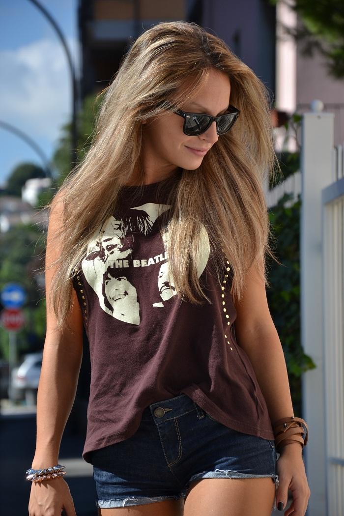 The Beatles t-shirt and Rayban Wayfarer - It-girl by Eleonora Petrella