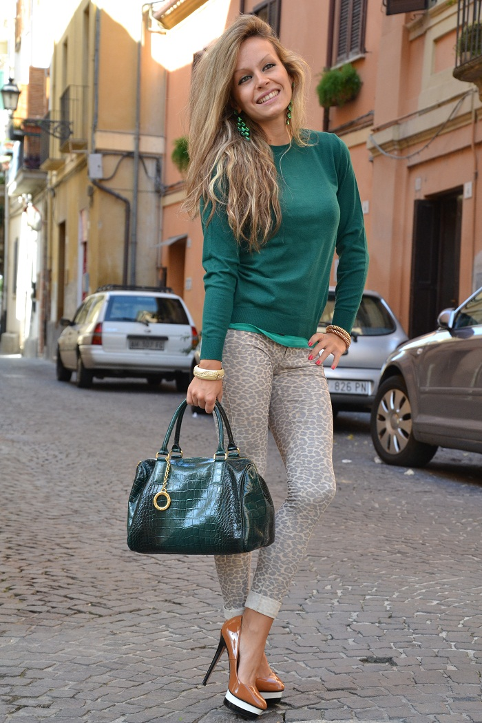 green jersey and leopard pants - It-girl by Eleonora Petrella