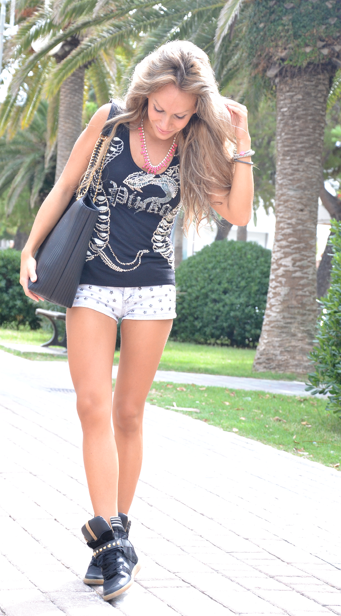 shorts and pinko tee - It-girl by Eleonora Petrella