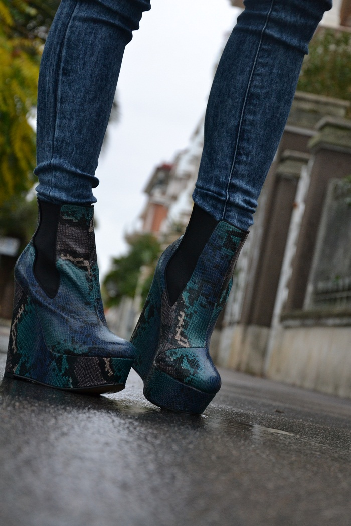 Asos python boots and pochette - It-girl by Eleonora Petrella