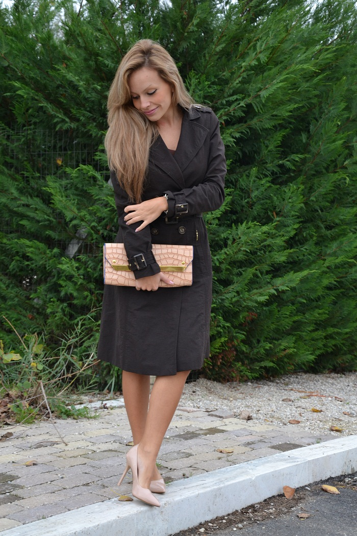 Zara trench coat and cream pumps - It-girl by Eleonora Petrella