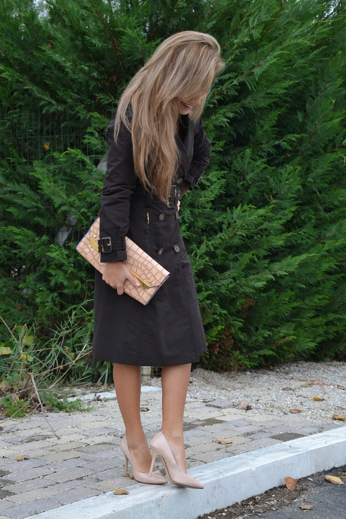 Zara trench coat and cream pumps - It-girl by Eleonora Petrella