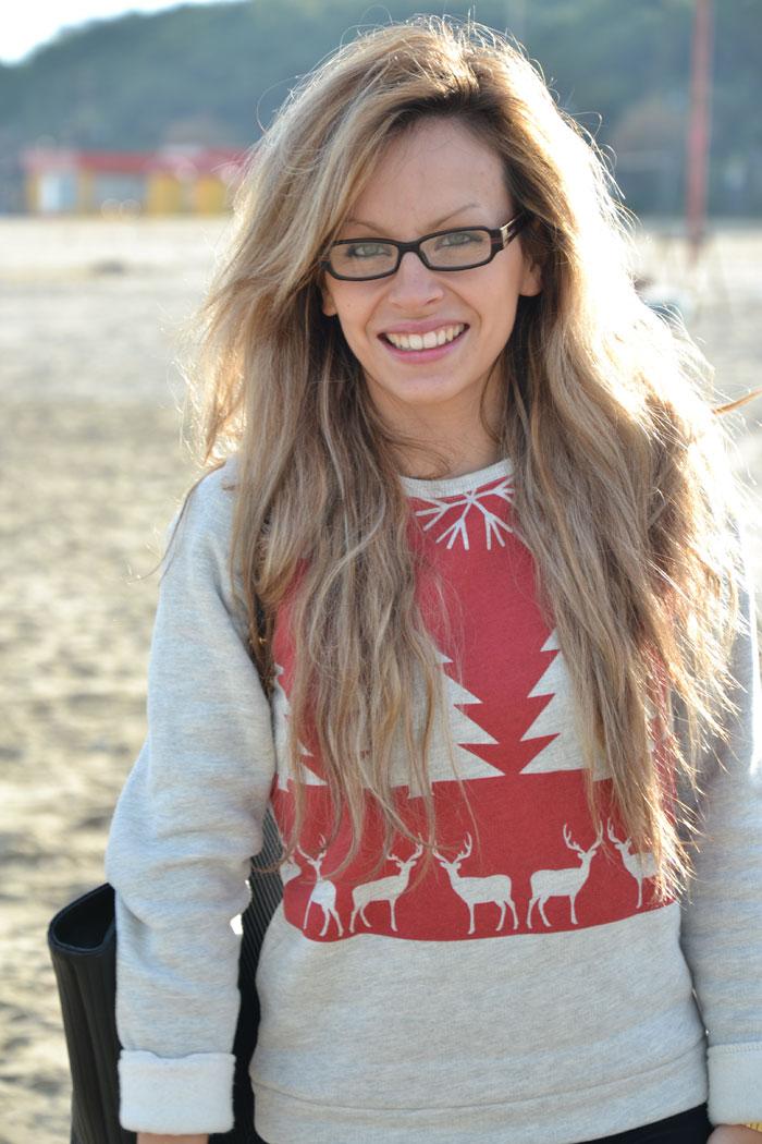 Asos Christmas sweater and Pinko Ugg boots - It-girl by Eleonora Petrella