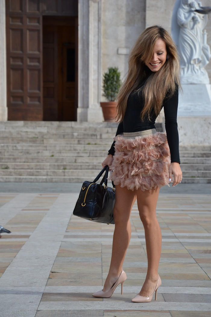 Stradivarius feather skirt - It-girl by Eleonora Petrella