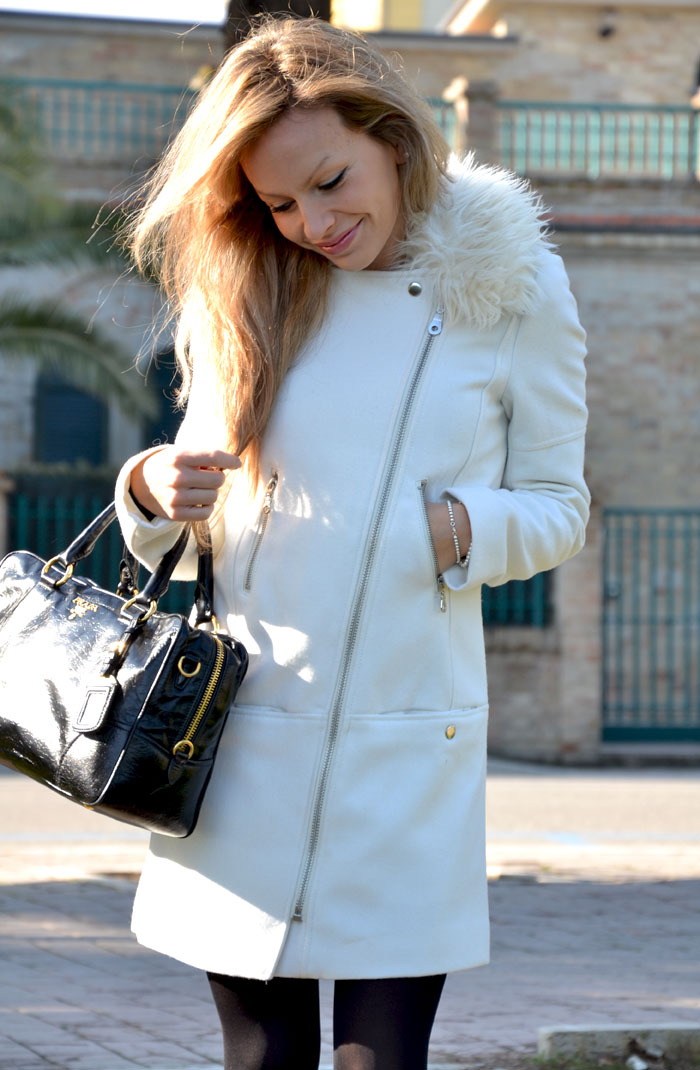 H&M white coat and Prada bag - It-girl by Eleonora Petrella