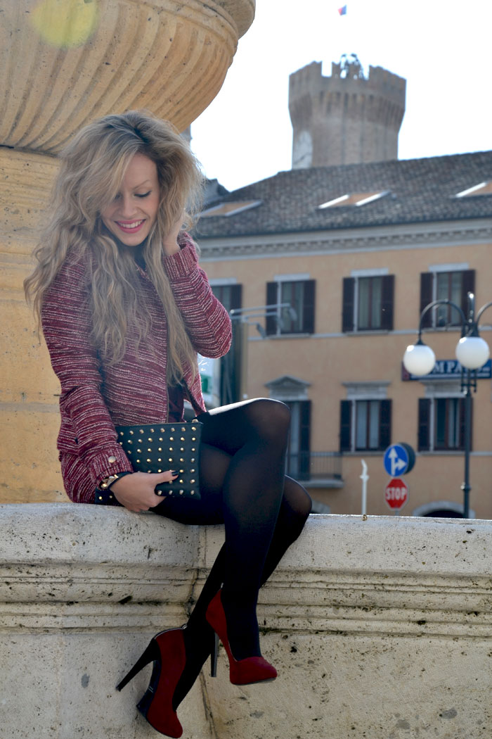 Burgundy outfit and Geek t-shirt - It-Girl by Eleonora Petrella