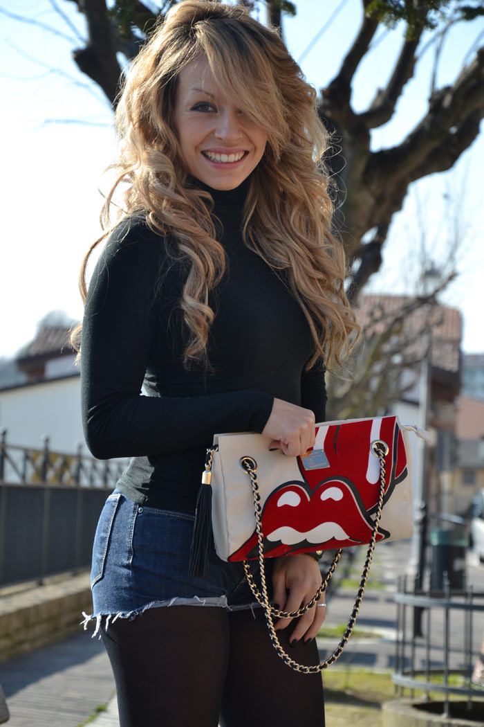 Outfit with Fun is not expensive London bag and Bershka boots - It-Girl by Eleonora