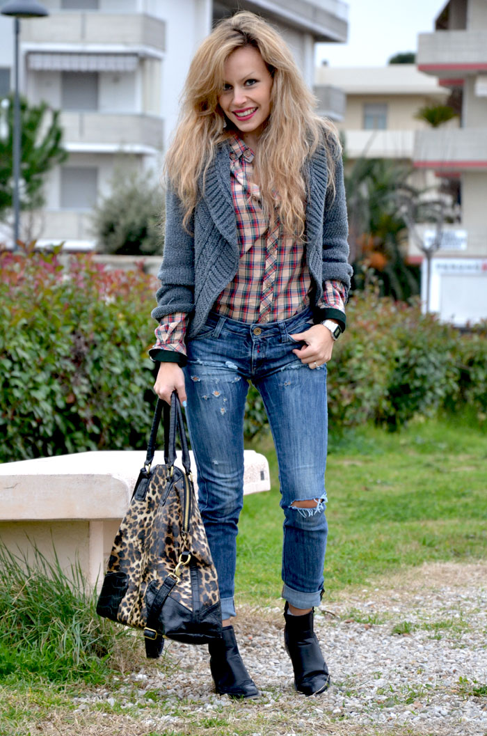 Plaid print shirt and replay jeans - It-Girl by Eleonora Petrella
