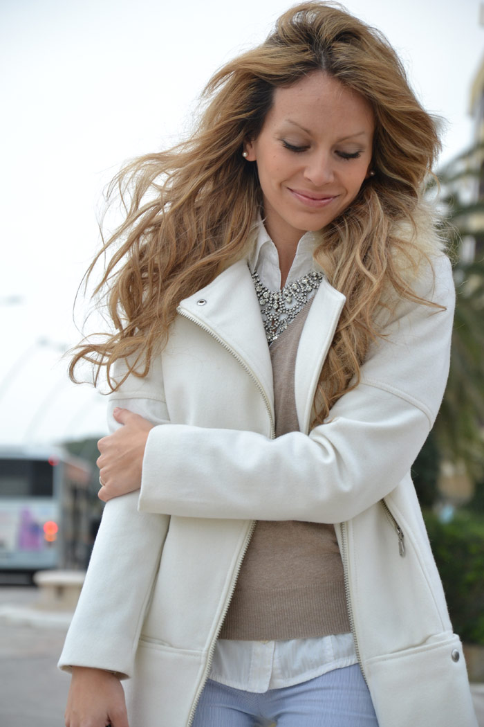 H&M white coat and Zara studded pochette - It-Girl by Eleonora Petrella [...]</p> 			</div> 			 							<div class=