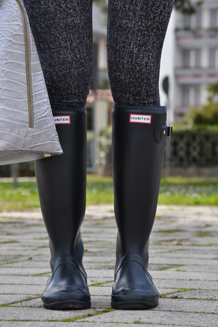 Zara blazer and Hunter boots - It-Girl by Eleonora Petrella