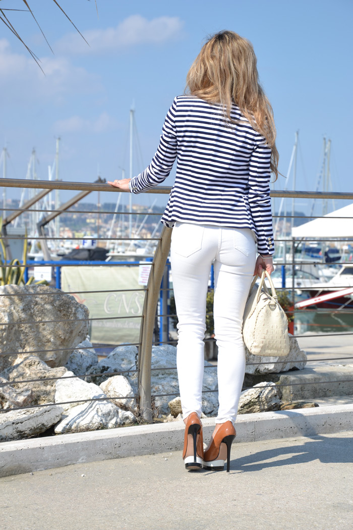 H&M White pants and navy striped blazer - It-girl by Eleonora Petrella