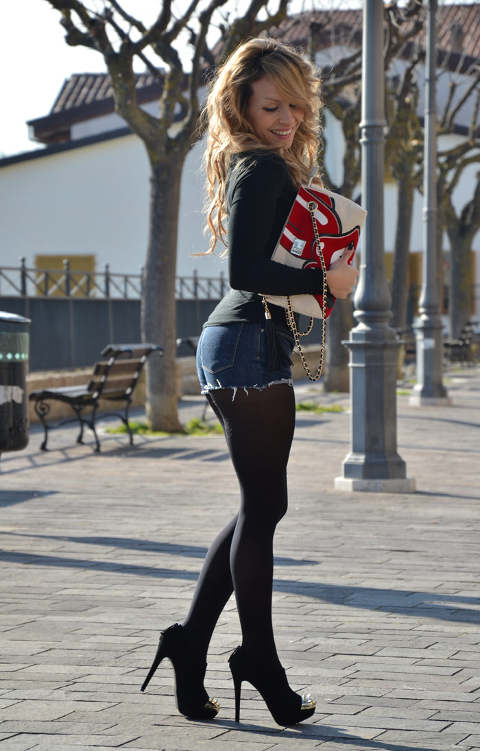 Female Italian Fashion Blogger