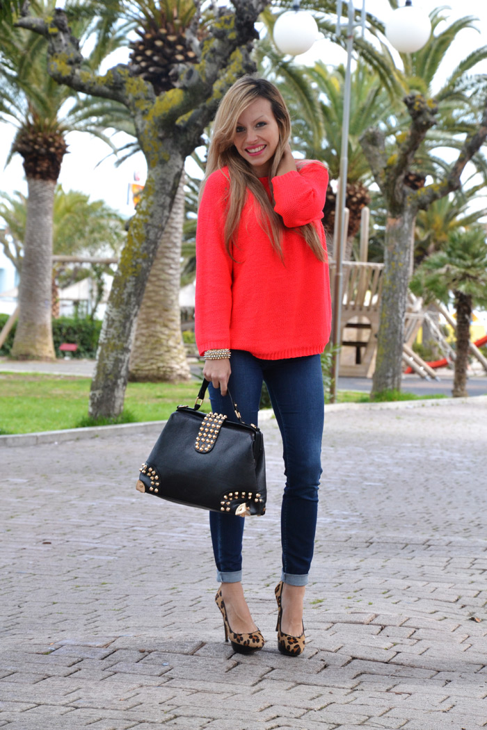H&M neon sweater, Zara skinny jeans and Oasap studded bag - It-Girl by Eleonora Petrella
