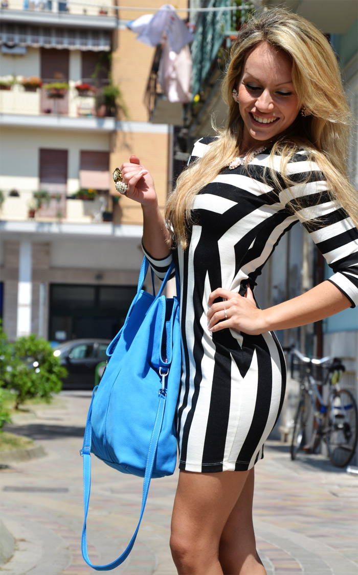 Choies dress with black and white stripes and Arcadia bag - outfit fashion blogger [...]</p>