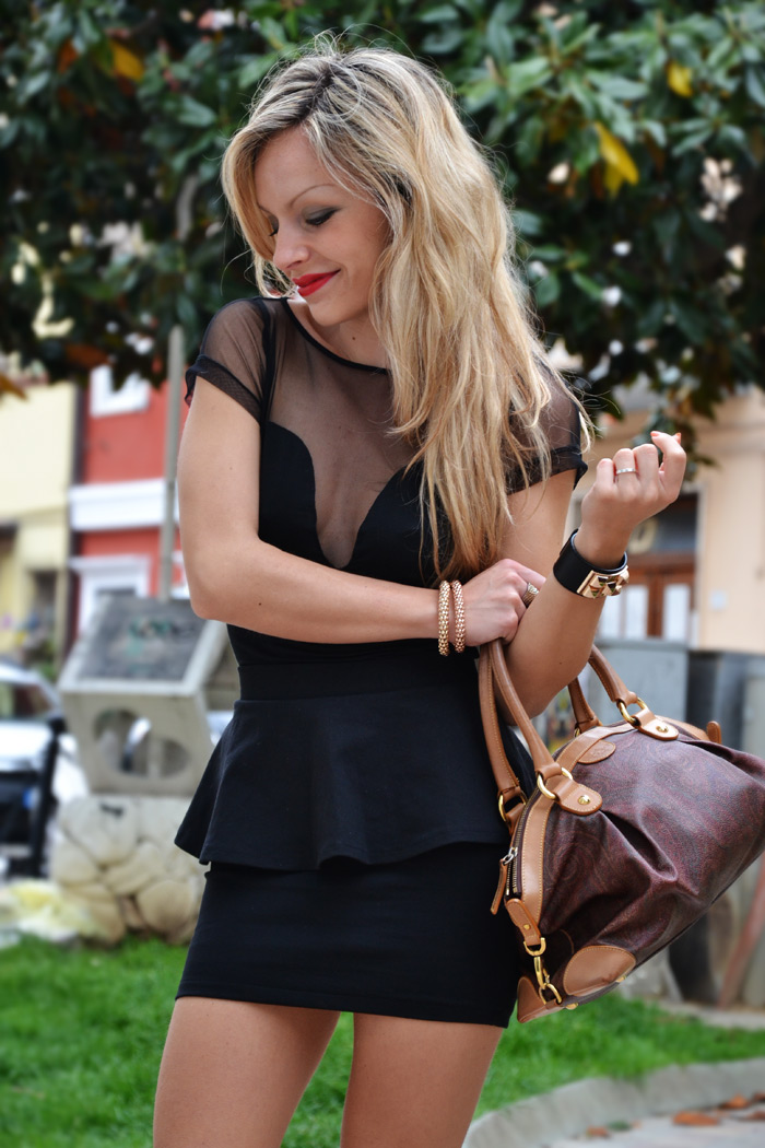 Outfit elegante fashion blogger con gonna peplo e top sexy - It-Girl by Eleonora Petrella