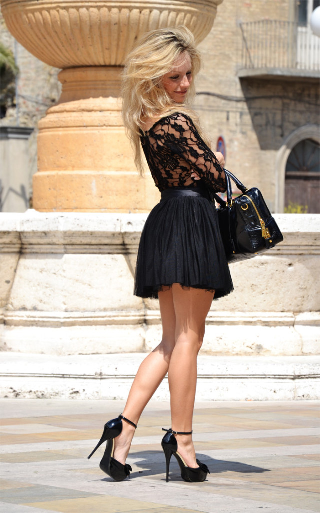 Tulle skirt and lace bodysuit