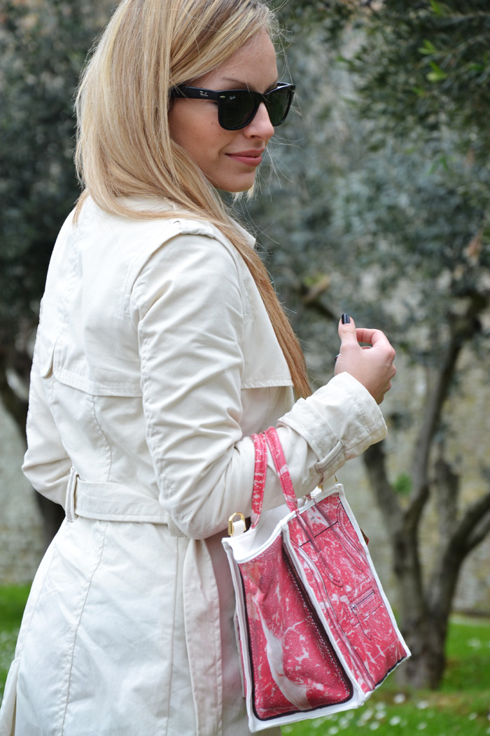 Bershka white trench and Banana Taipei Meat Lover C. bag - outfit fashion blogger It-Girl by Eleonora Petrella