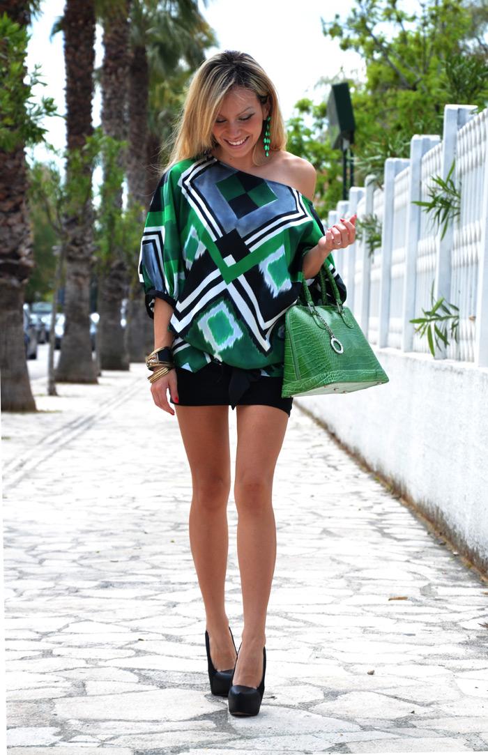 Zara naked shoulder shirt, black mini dress and Zara pumps - outfit fashion blogger It-Girl by Eleonora Petrella