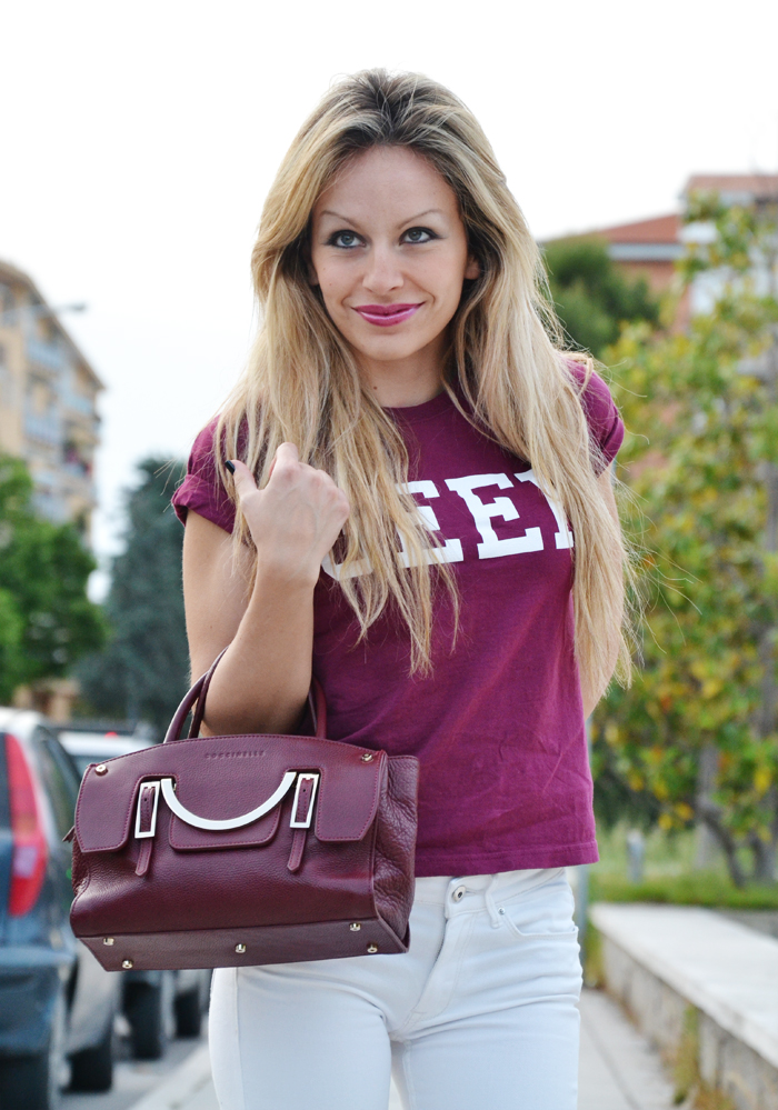 Geek Topshop burgundy tshirt, white H&M pants and borsa Coccinelle Celeste - outfit fashion blogger It-Girl by Eleonora Petrella