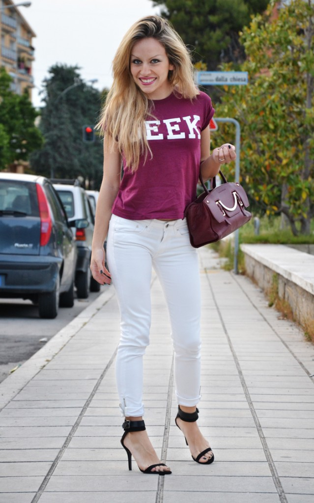 <!--:it-->Geek: burgundy and white<!--:-->