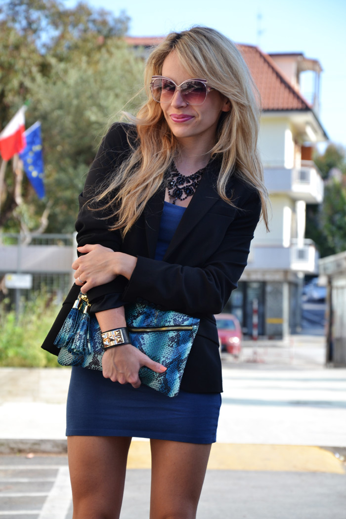Zara black blazer, Yves Saint laurent sunglasses and Asos python bloot- outfit fashion blogger It-Girl by Eleonora Petrella