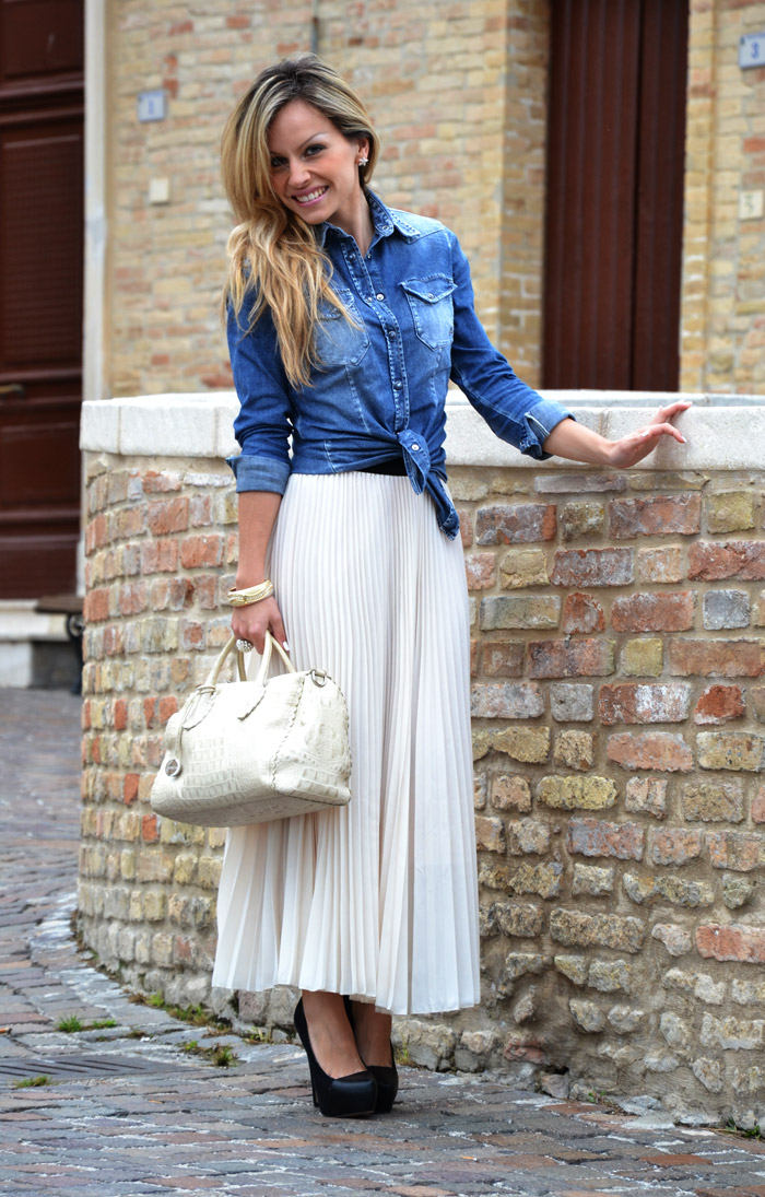 incredible pleated denim skirt outfit