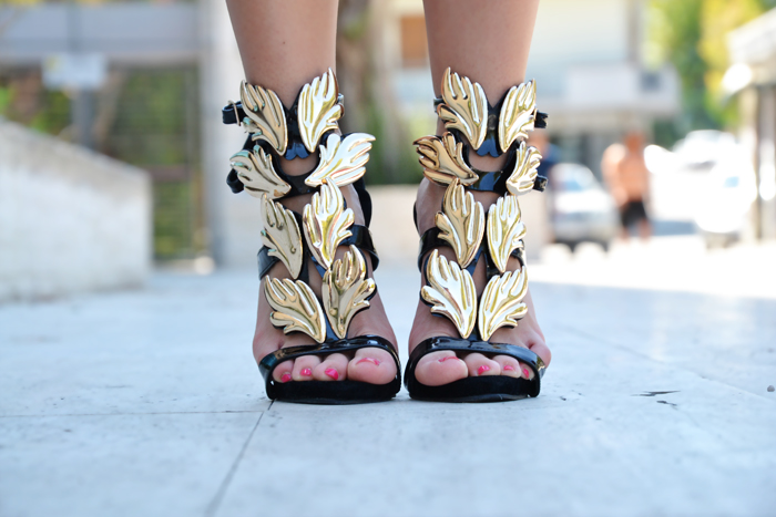Prada bag and Gold Heeled sandals Giuseppe Zanotti - outfit fashion blogger It-Girl by Eleonora Petrella