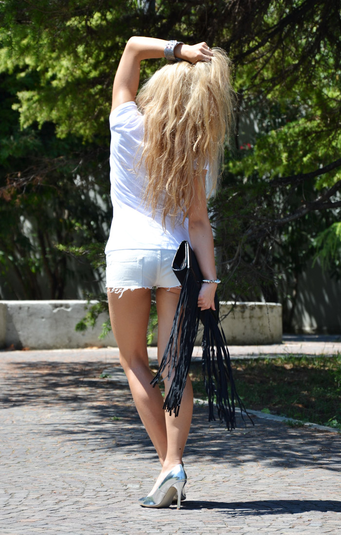 TeeTrend Audrey Hepburn t-shirt total white outfit summer 2013 - fashion blogger It-Girl by Eleonora Petrella