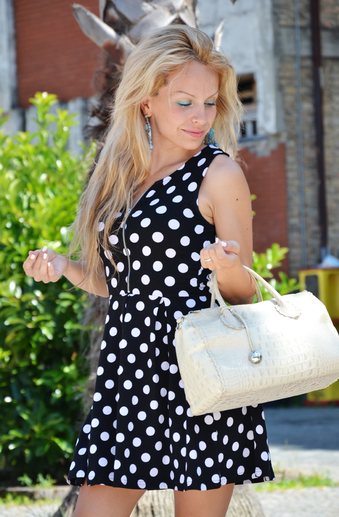 Vestito a pois - Polka dots dress and Furla bag - outfit summer fashion blogger It-Girl by Eleonora Petrella