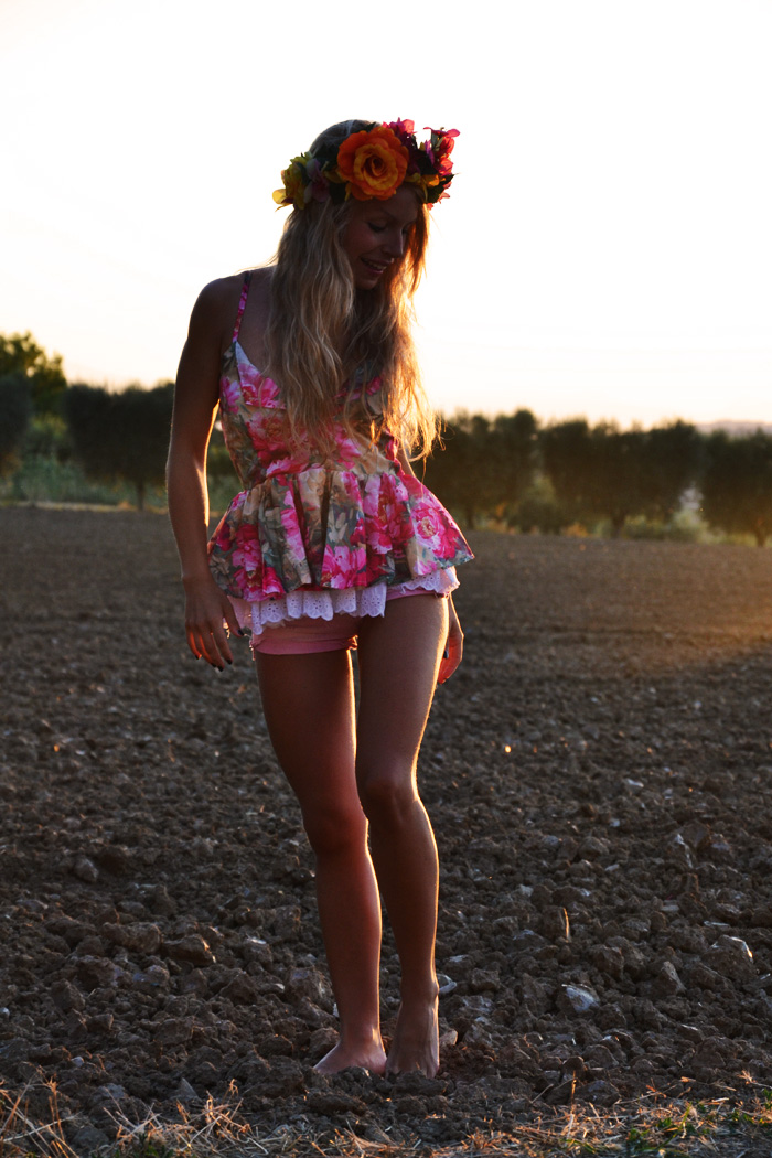 Flower crown, floral headband and Sheinside top - outfit summer 2013 fashion blogger It-Girl by Eleonora Petrella