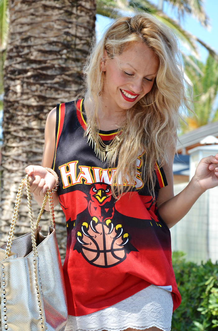 Team basketball t-shirts summer trends 2013 – outfit fashion blogger It-Girl by Eleonora Petrella