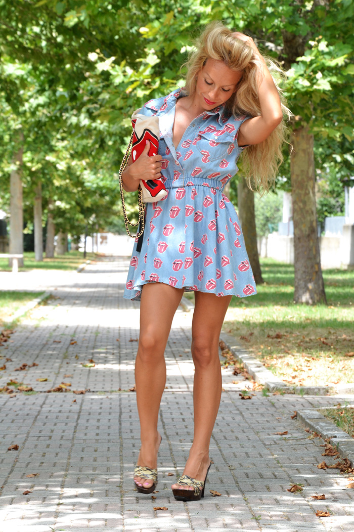 Rolling Stones tongue print denim Sheinside dress - outfit summer 2013 italian fashion blogger It-Girl by Eleonora Petrella