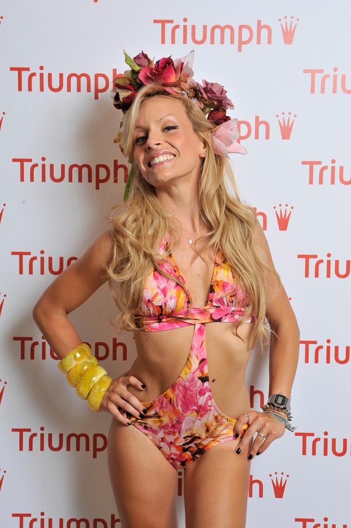 Triumph International Italia blogger day 17 luglio 2013 - costume trikini a fiori fashion blogger It-Girl by Eleonora Petrella