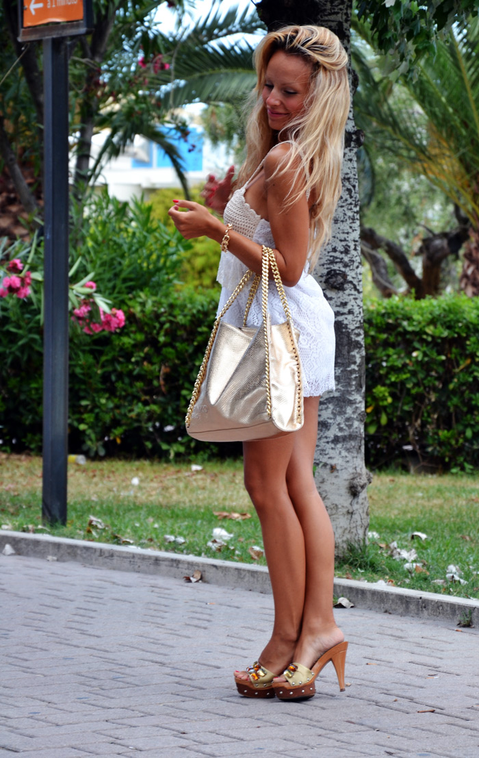 Crochet and lace dress - borse Pinko bag- outfit di fine estate 2013 fashion blogger It-Girl by Eleonora Petrella