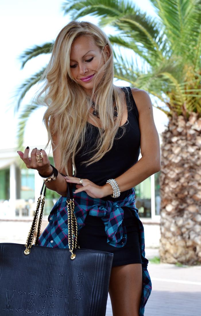 Camicia a quadrettoni - plaid print - little black dress - Zara dresses - tendenze autunno 2013 - outfit fashion blogger It-Girl by Eleonora Petrella