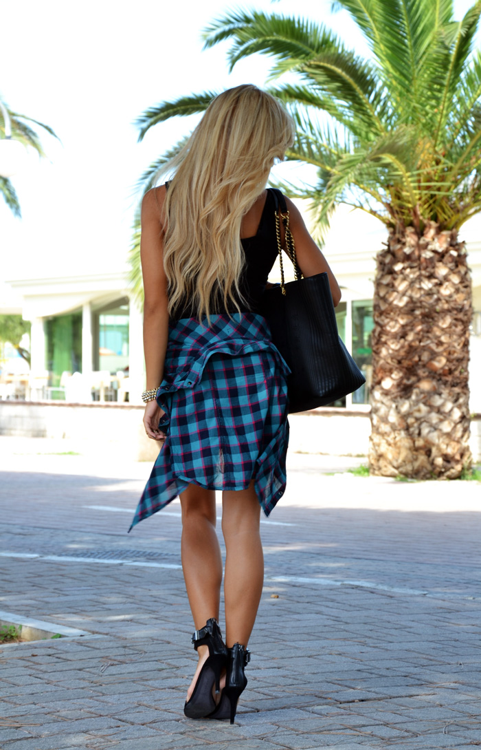 Camicia a quadrettoni - plaid print - little black dress - Zara dresses - tendenze autunno 2013 - outfit fashion blogger It-Girl by Eleonora Petrella