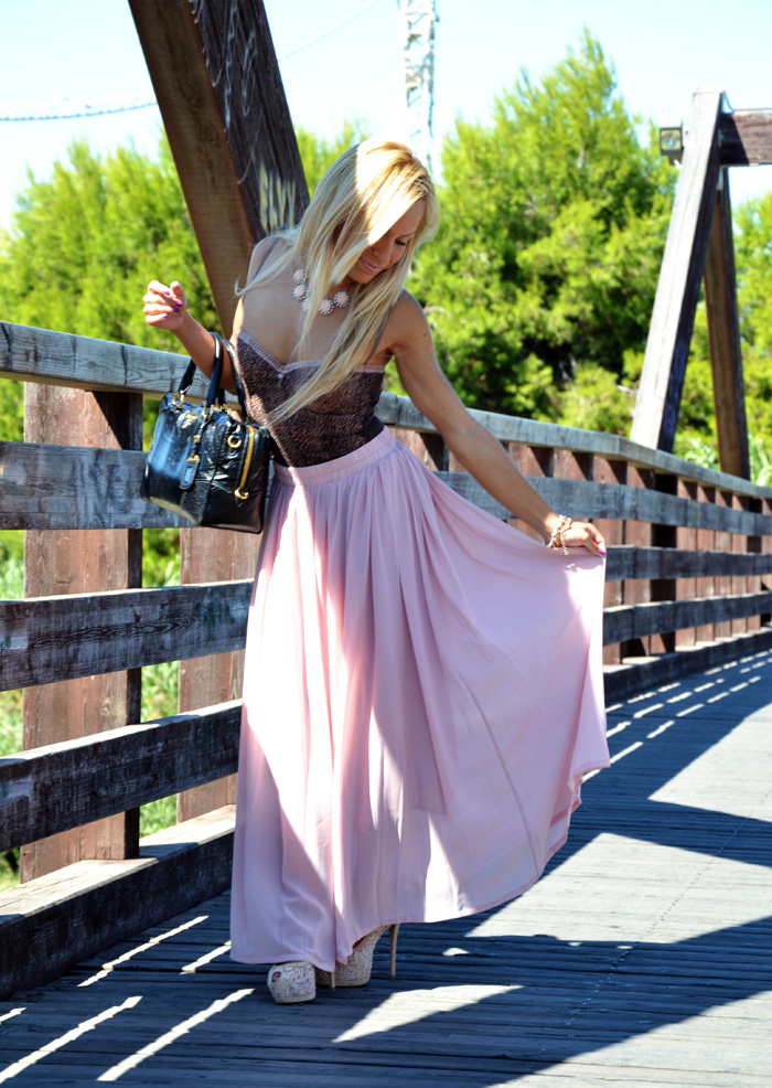 Pink maxi skirt, animalier blouse, Prada bag - outfit fashion blogger It-Girl by Eleonora Petrella
