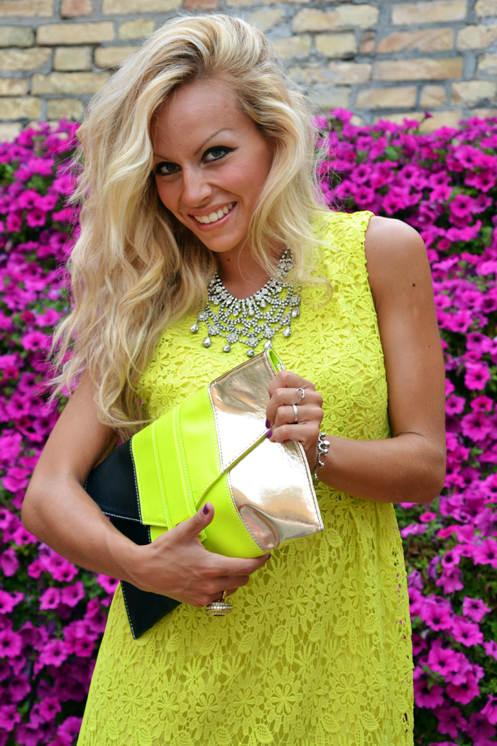 Chicwish Neon Yellow Crochet dress, Zara heels and H&M clutch - outfit fashion blogger september 2013 It-Girl by Eleonora Petrella