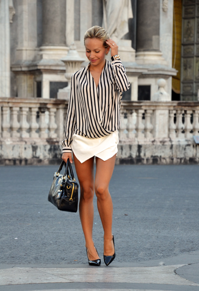Striped shirt and Zara white skort trend outfit ideas - fashion blogger It-Girl by Eleonora Petrella