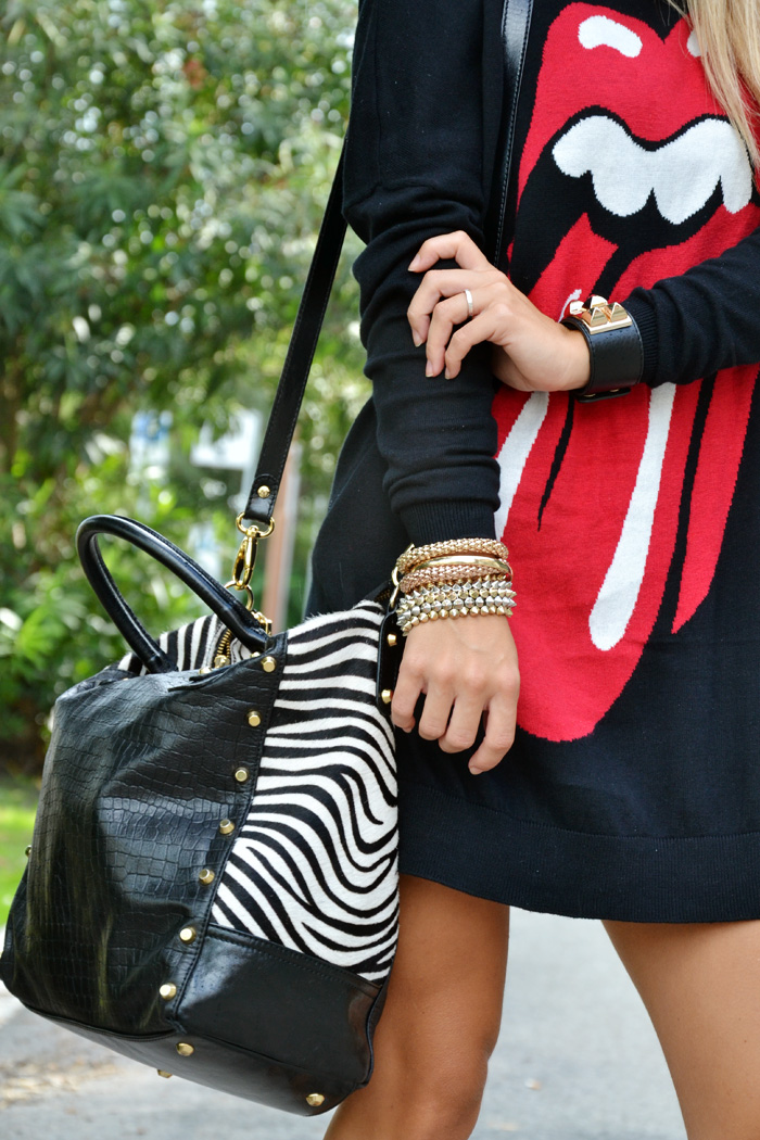 Bershka sweater Rolling Stones felpe outfit - Arcadia bags bolsas animalier trend - Fashion blogger It-Girl by Eleonora Petrella