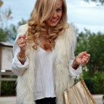 <!--:it-->Faux fur vest and biker boots<!--:-->