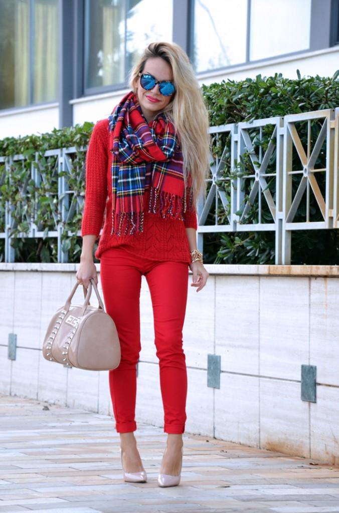 <!--:it-->Red total look + Tartan scarf<!--:-->