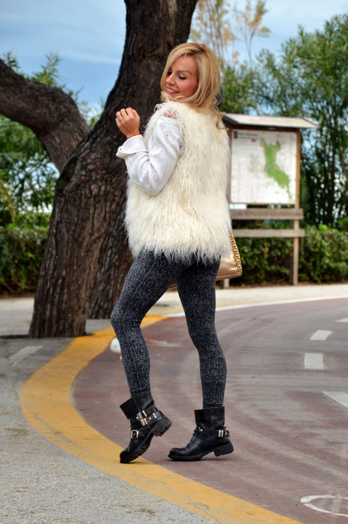 H&M faux fur vest - Cult shoes anfiki biker boots - sporty comfy look italian fashion blogger It-Girl by Eleonora Petrella