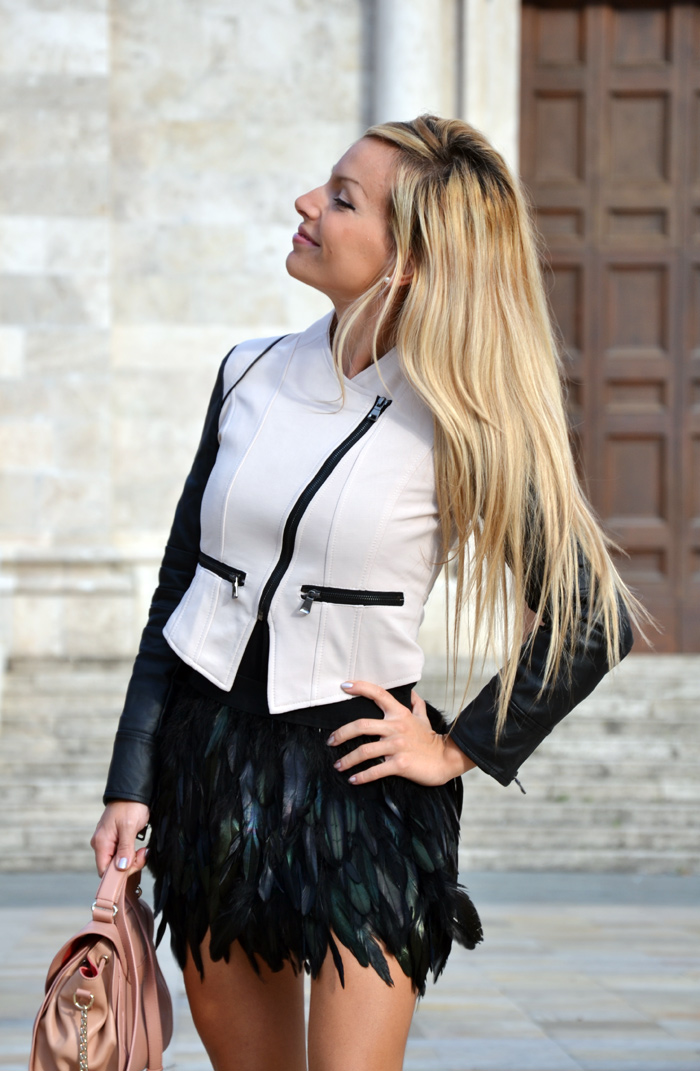 feather skirt Romwe , leather Sheinside jacket, Zara lace pumps, Chloè bag – outfit Italian fashion blogger It-Girl by Eleonora Petrella autumn fall 2013