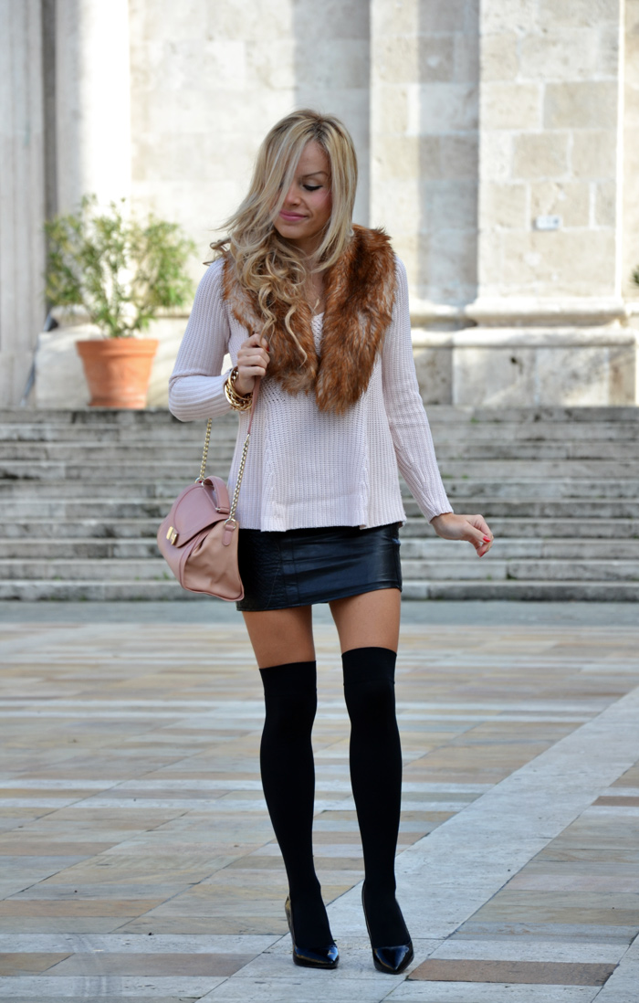 Over the knee socks- come indossare le calze parigine, leather skirt, faux fur collar - See by Chloé bags - outfit italian fashion blogger It-Girl by Eleonora Petrella
