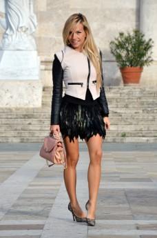 feather skirt Romwe , leather Sheinside jacket, Zara lace pumps, Chloè bag – outfit Italian fashion blogger It-Girl by Eleonora Petrella autumn fall 2013