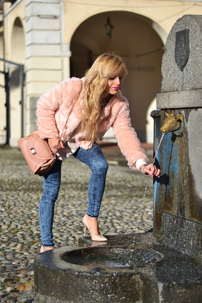 Faux fur pink coat, skinny jeans, See by Chloé bag - oufit winder 2013/14 italian fashion blogger It-Girl by Eleonora Petrella